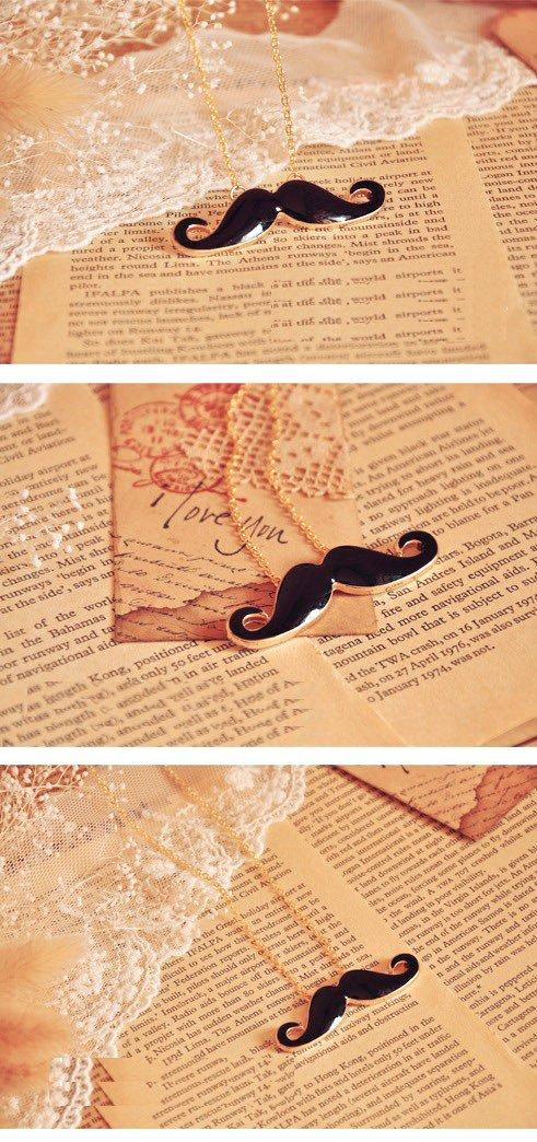Pendentif Moustache