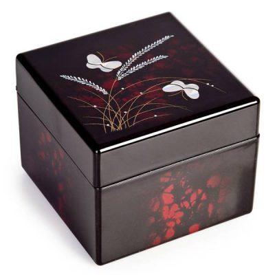 Boîte à bijoux en laque japonaise
