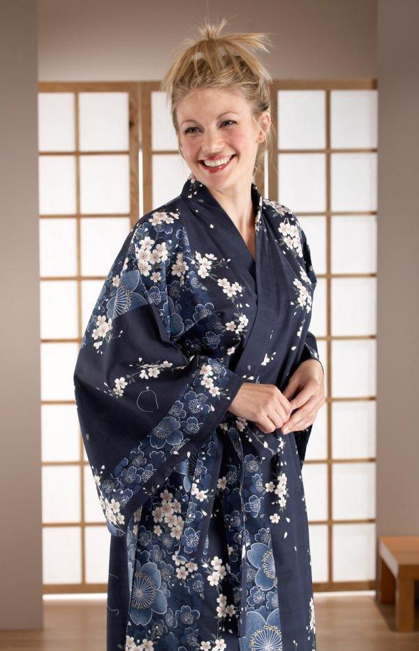 Kimono Yukata long bleu marine fleurs de cerisiers