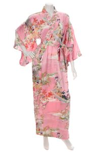 Kimono Japonais rose long  en soie motif Ukiyoe